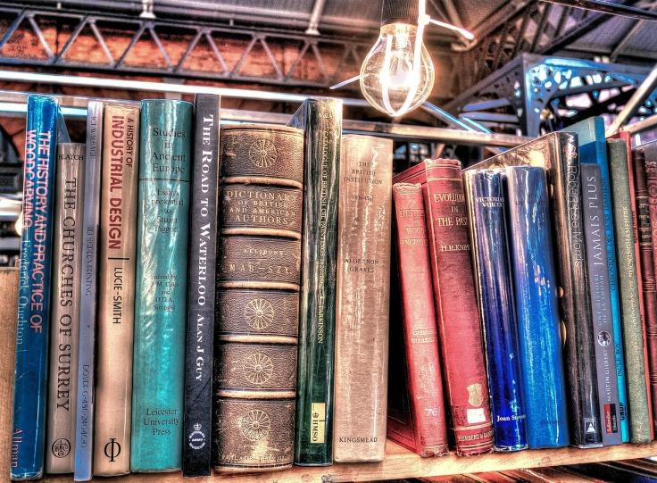 books-2383396_1280